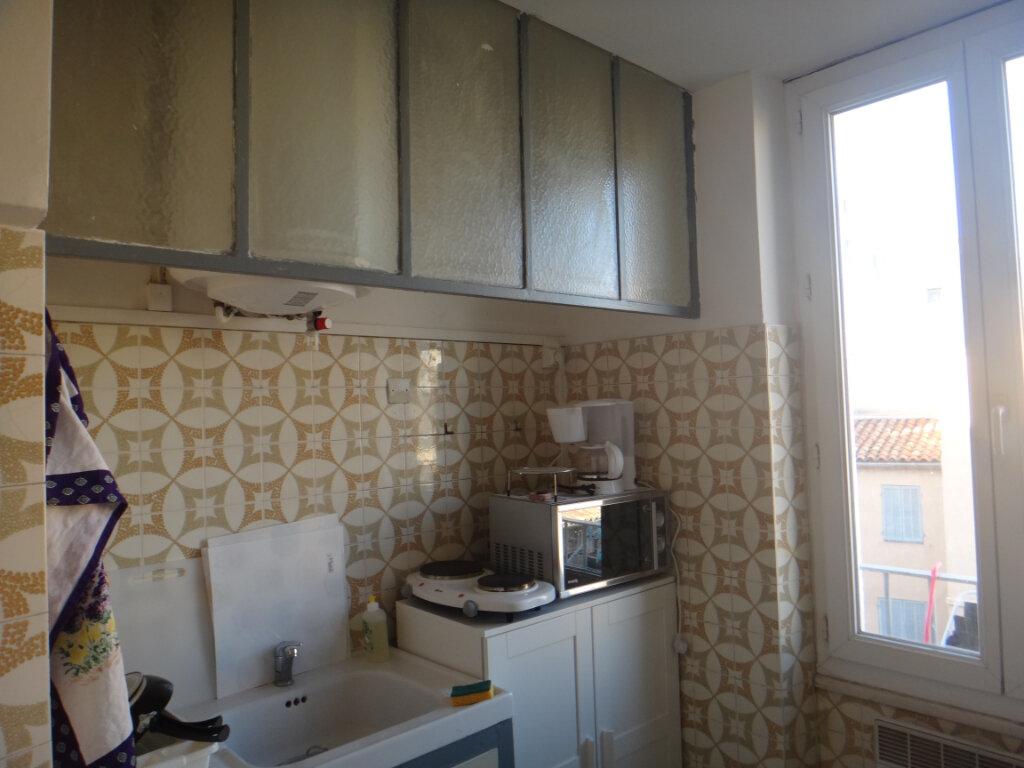Appartement à vendre 2 37m2 à Toulon vignette-3