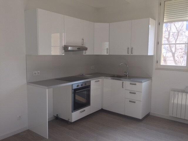 Appartement à louer 3 53.57m2 à La Seyne-sur-Mer vignette-1