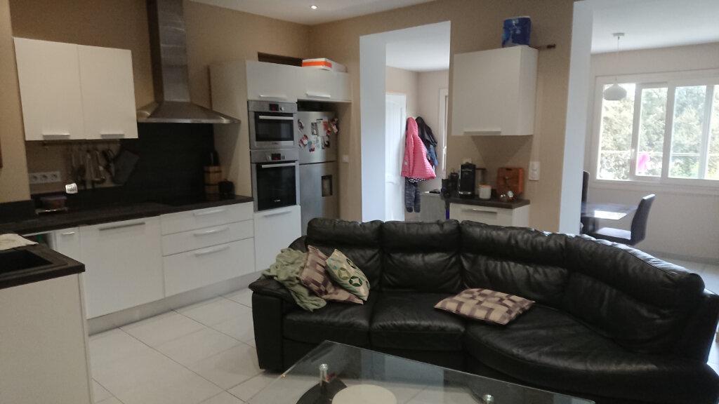 Appartement à vendre 3 56m2 à La Seyne-sur-Mer vignette-4