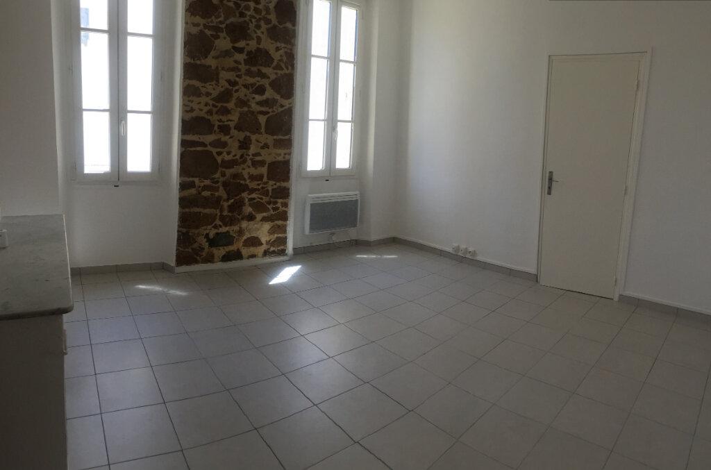 Appartement à louer 2 40.5m2 à La Seyne-sur-Mer vignette-2
