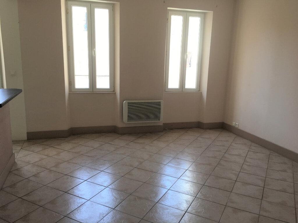 Appartement à louer 3 48.8m2 à Toulon vignette-3