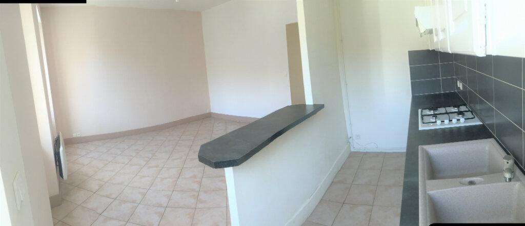 Appartement à louer 3 48.8m2 à Toulon vignette-5