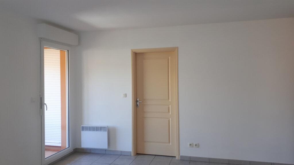Appartement à louer 2 49.23m2 à La Seyne-sur-Mer vignette-4