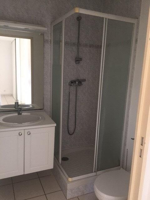 Appartement à louer 1 23m2 à La Seyne-sur-Mer vignette-5