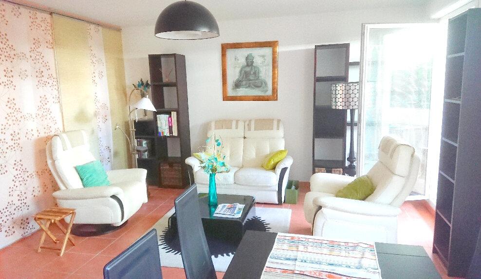 Appartement à vendre 3 71m2 à La Seyne-sur-Mer vignette-1