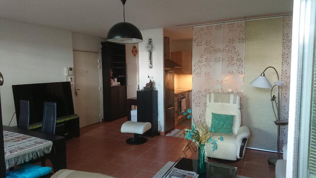Appartement à vendre 3 71m2 à La Seyne-sur-Mer vignette-3