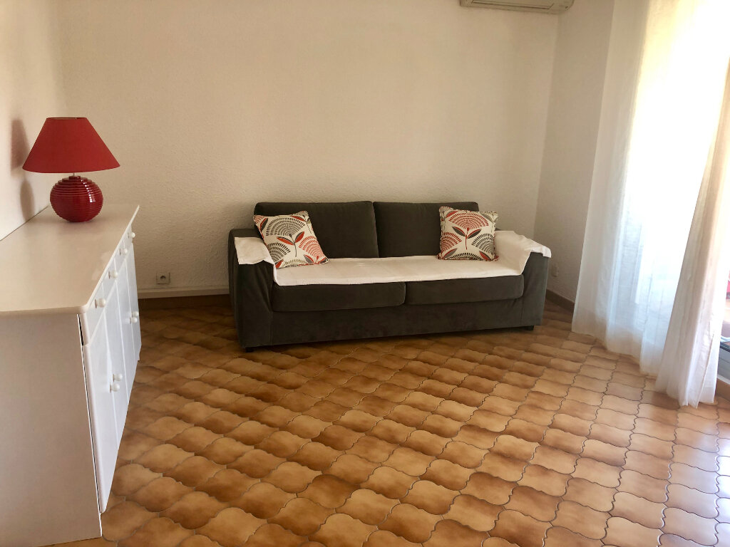 Appartement à vendre 2 37m2 à Sanary-sur-Mer vignette-2