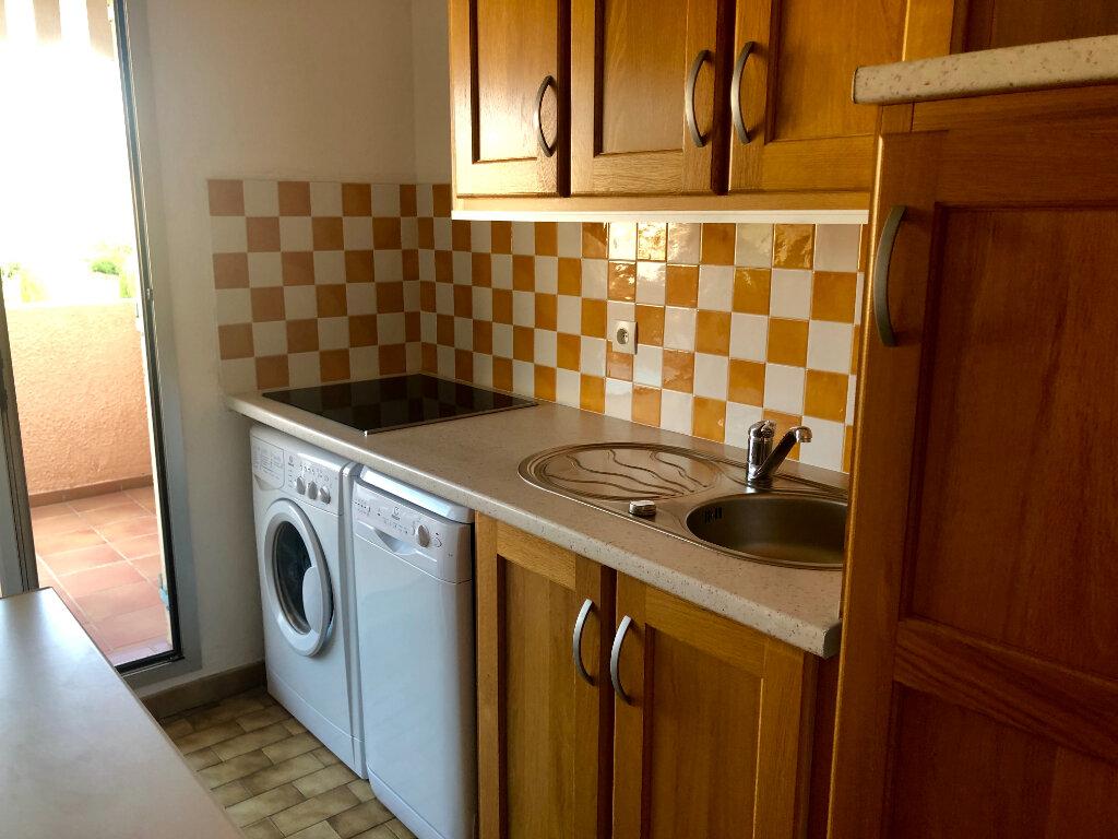 Appartement à vendre 2 37m2 à Sanary-sur-Mer vignette-4