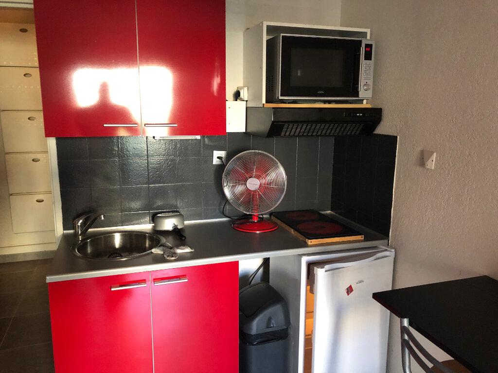 Appartement à vendre 1 20m2 à Saint-Mandrier-sur-Mer vignette-4