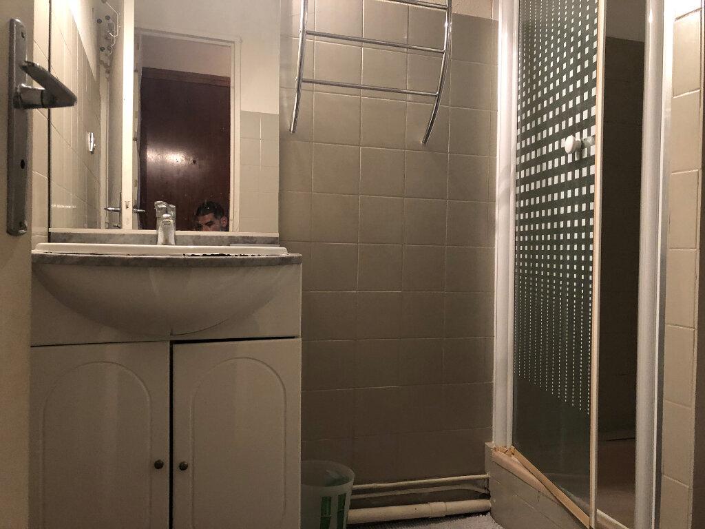 Appartement à vendre 1 20m2 à Saint-Mandrier-sur-Mer vignette-5