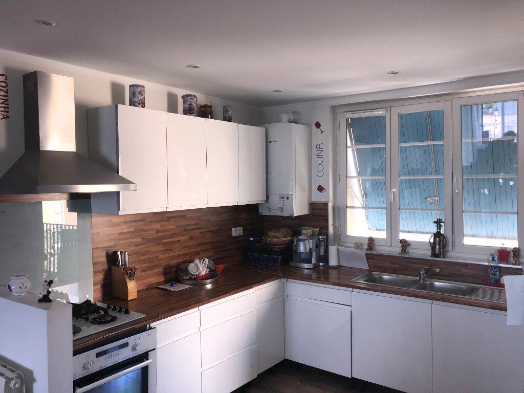 Appartement à vendre 3 75m2 à La Seyne-sur-Mer vignette-3