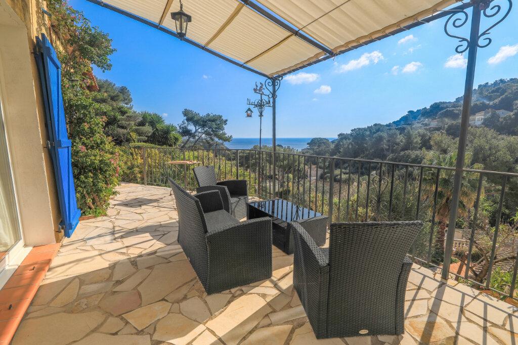 Maison à vendre 6 180m2 à La Seyne-sur-Mer vignette-2