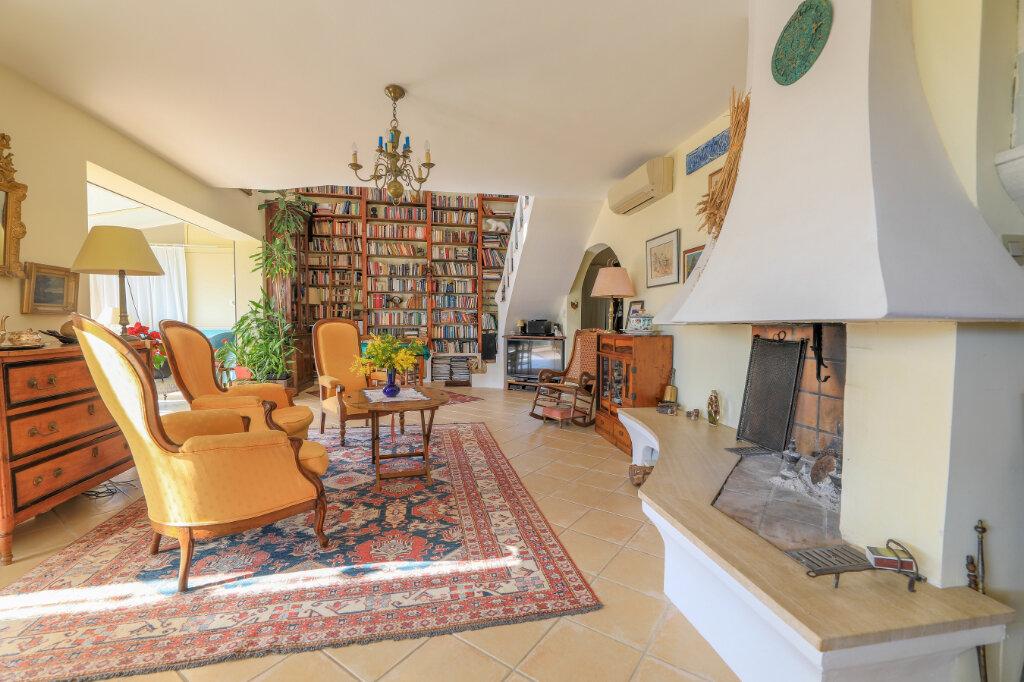 Maison à vendre 6 180m2 à La Seyne-sur-Mer vignette-8
