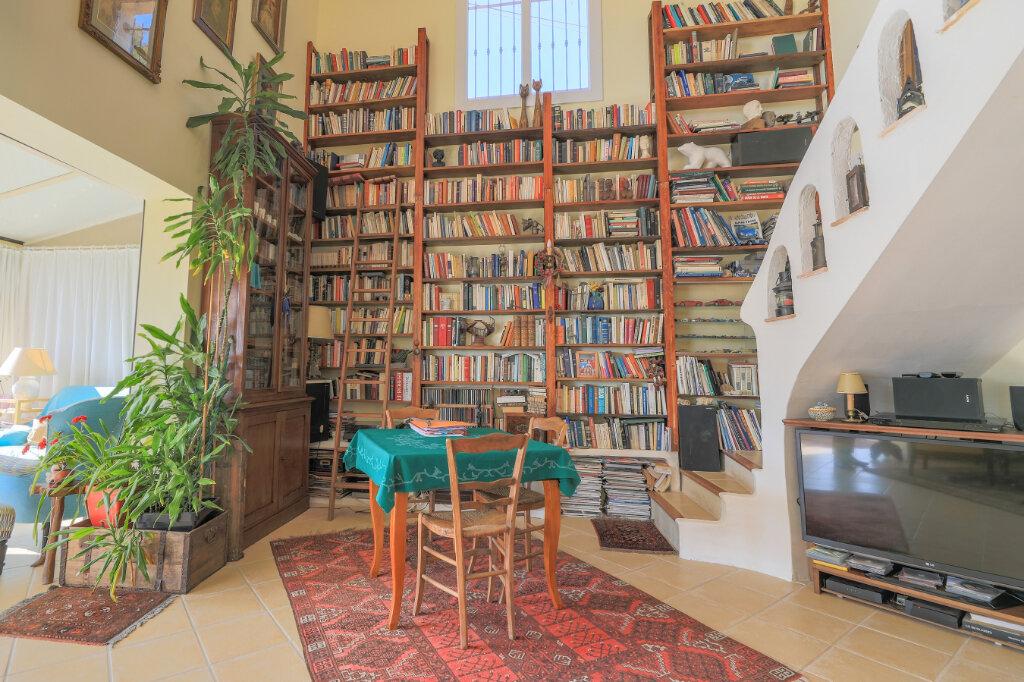 Maison à vendre 6 180m2 à La Seyne-sur-Mer vignette-9