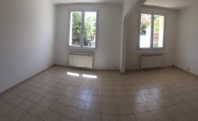 Appartement à louer 3 70m2 à La Seyne-sur-Mer vignette-1