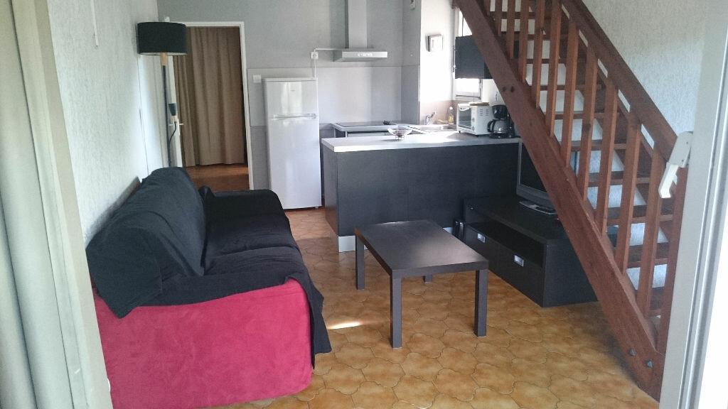 Appartement à vendre 2 40m2 à Saint-Mandrier-sur-Mer vignette-1