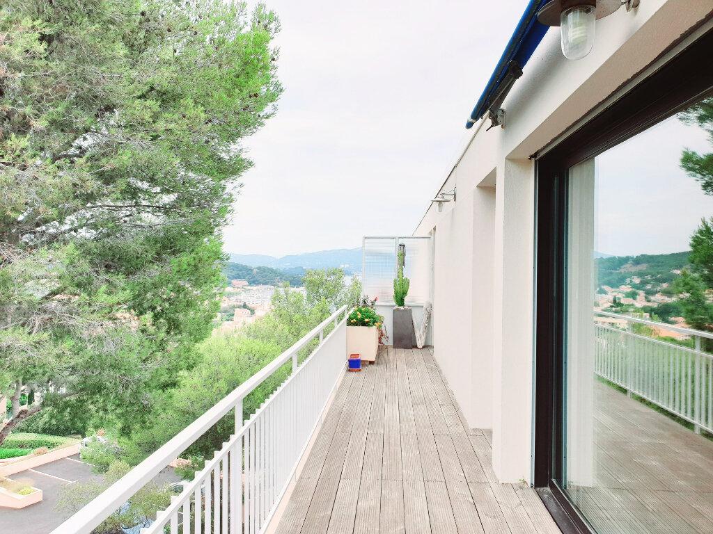 Appartement à vendre 3 63.56m2 à Saint-Mandrier-sur-Mer vignette-1