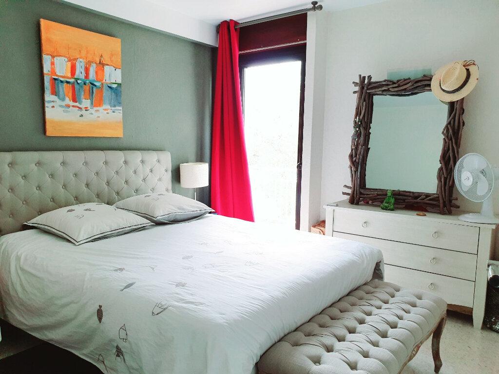 Appartement à vendre 3 63.56m2 à Saint-Mandrier-sur-Mer vignette-4