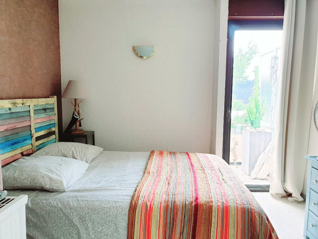 Appartement à vendre 3 63.56m2 à Saint-Mandrier-sur-Mer vignette-5