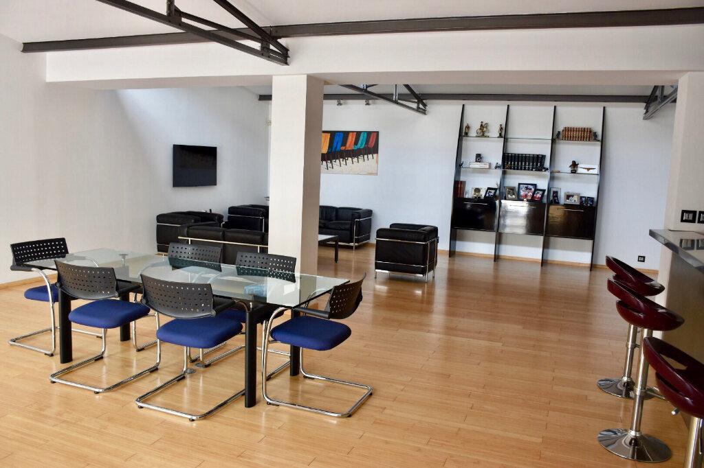 Appartement à vendre 3 145m2 à Bandol vignette-2