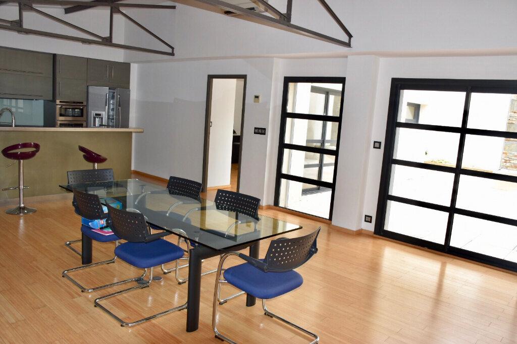 Appartement à vendre 3 145m2 à Bandol vignette-5