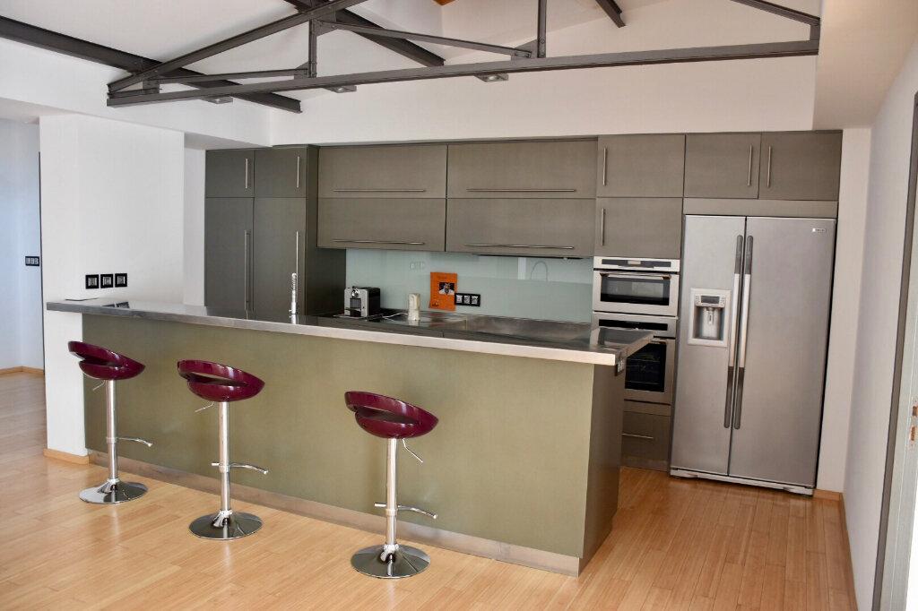 Appartement à vendre 3 145m2 à Bandol vignette-8