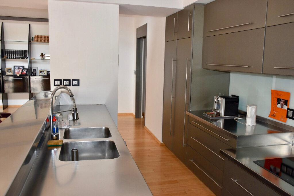 Appartement à vendre 3 145m2 à Bandol vignette-9