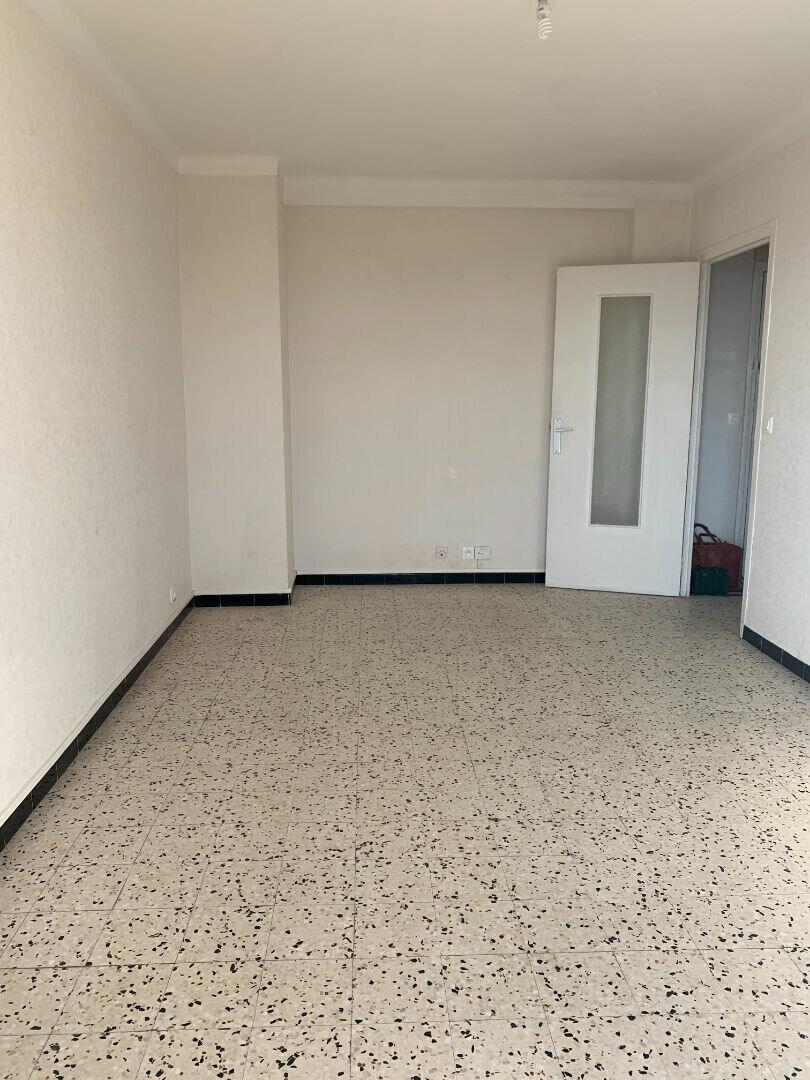 Appartement à louer 2 42m2 à La Seyne-sur-Mer vignette-3