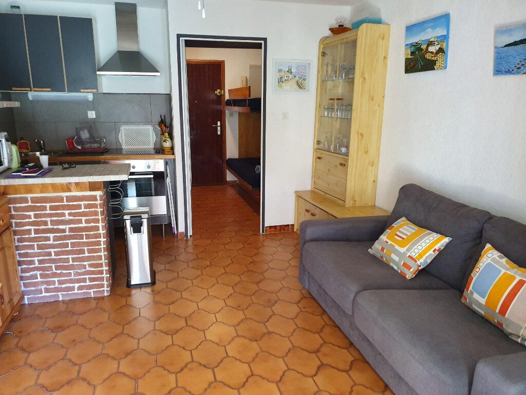Appartement à vendre 1 24m2 à Saint-Mandrier-sur-Mer vignette-2
