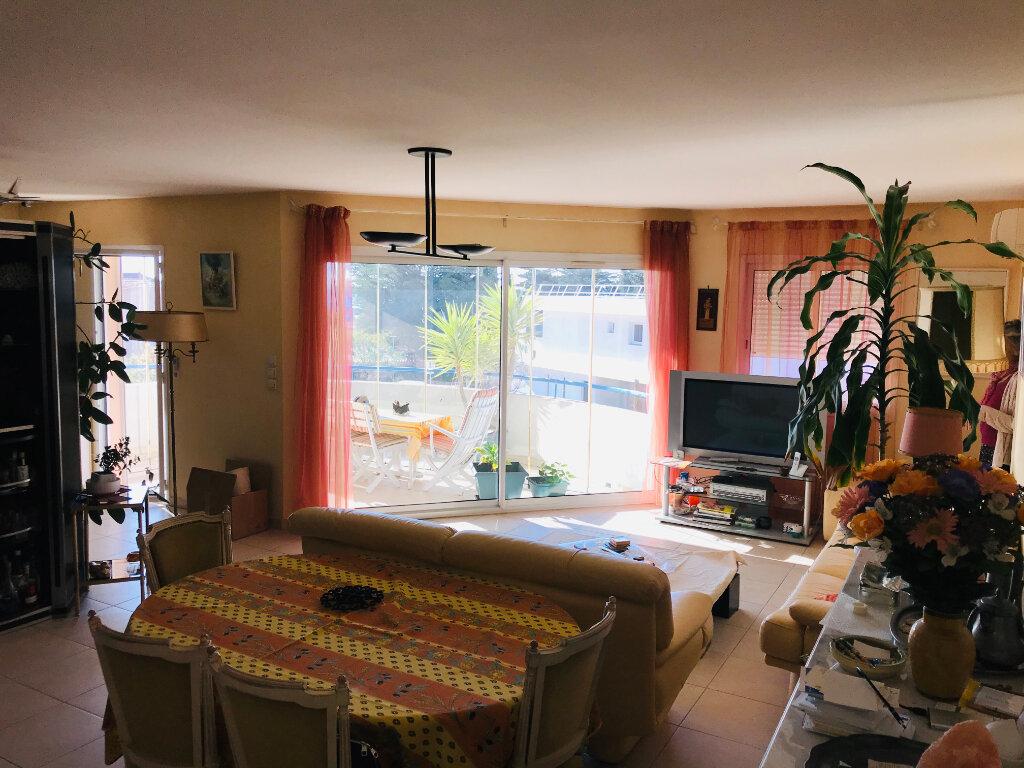 Appartement à vendre 4 92m2 à Bandol vignette-2
