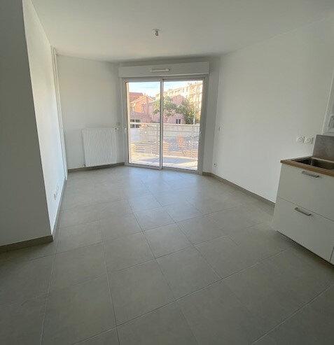 Appartement à louer 2 39m2 à La Seyne-sur-Mer vignette-2