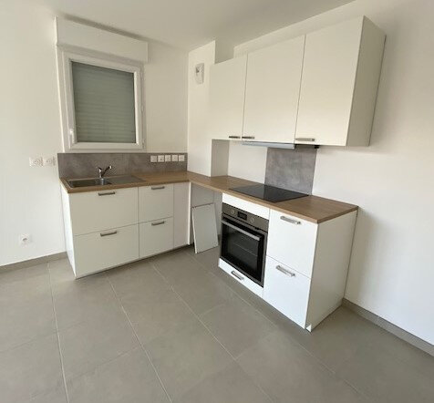 Appartement à louer 2 39m2 à La Seyne-sur-Mer vignette-3