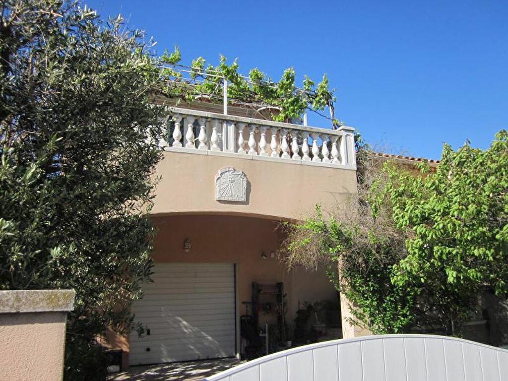 Maison à vendre 11 250m2 à La Seyne-sur-Mer vignette-1