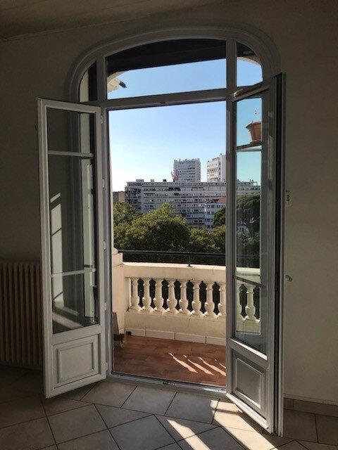Appartement à louer 3 52.91m2 à Toulon vignette-3