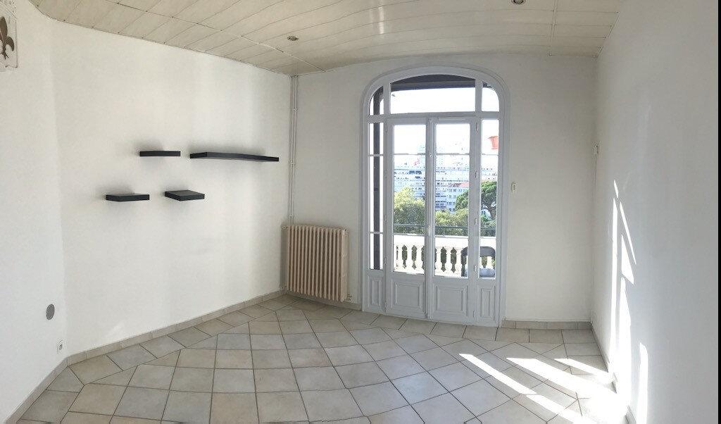 Appartement à louer 3 52.91m2 à Toulon vignette-5