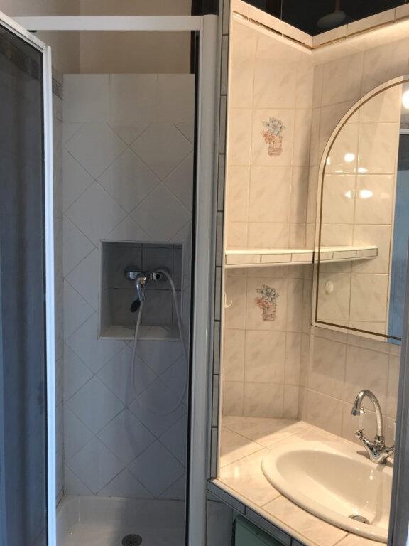 Appartement à louer 3 52.91m2 à Toulon vignette-7