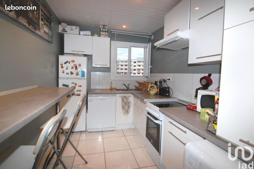 Appartement à louer 2 44.58m2 à Toulon vignette-2
