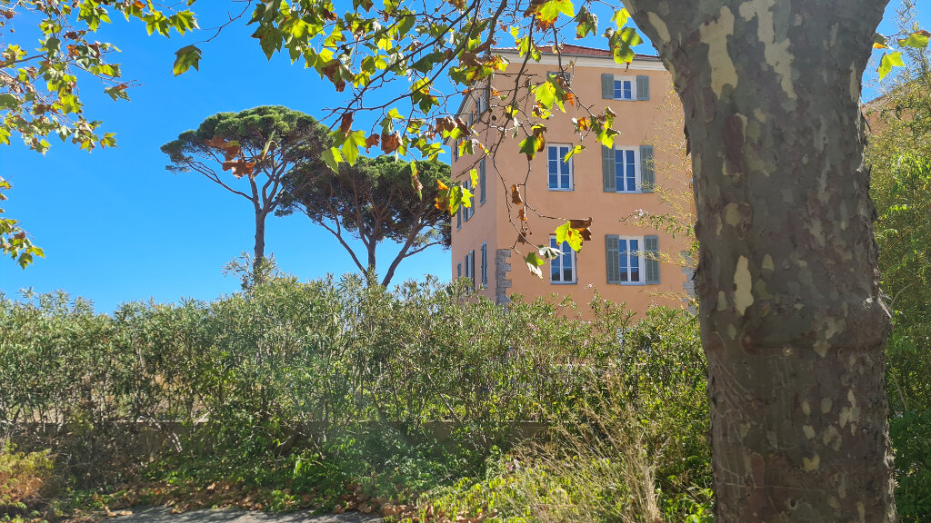 Appartement à vendre 3 71.9m2 à La Seyne-sur-Mer vignette-1