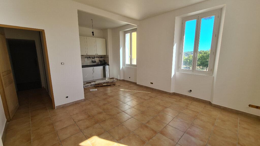 Appartement à vendre 3 71.9m2 à La Seyne-sur-Mer vignette-3