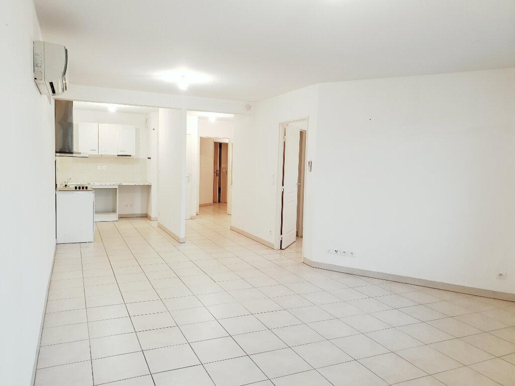 Appartement à vendre 3 73m2 à La Seyne-sur-Mer vignette-2