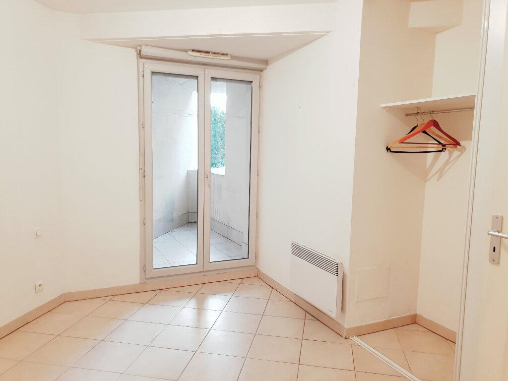 Appartement à vendre 3 73m2 à La Seyne-sur-Mer vignette-5