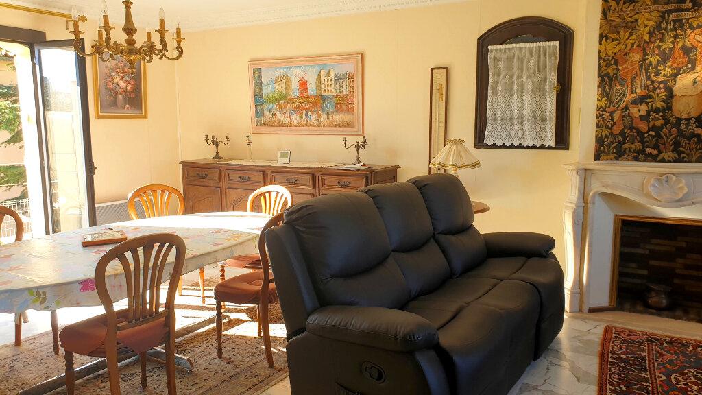Maison à vendre 6 172m2 à La Seyne-sur-Mer vignette-3