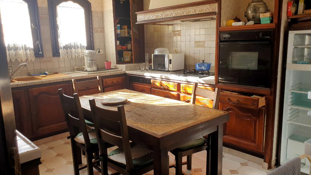 Maison à vendre 6 172m2 à La Seyne-sur-Mer vignette-5
