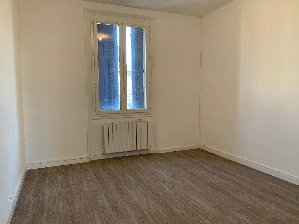 Appartement à louer 5 125.89m2 à La Seyne-sur-Mer vignette-13