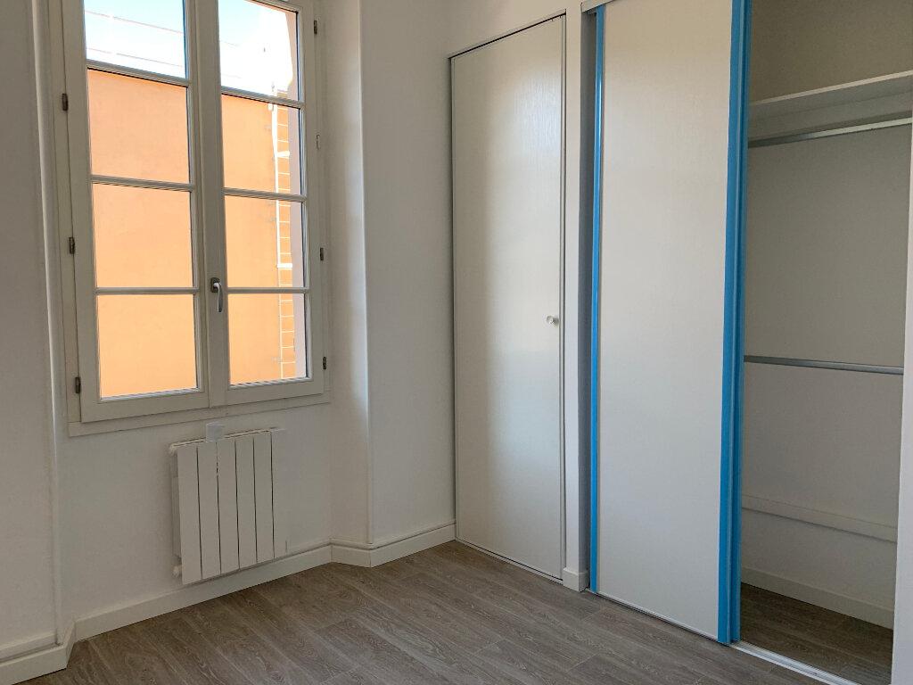 Appartement à louer 5 125.89m2 à La Seyne-sur-Mer vignette-14