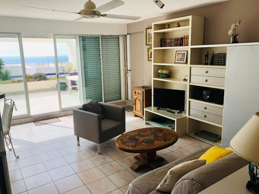 Appartement à vendre 2 45m2 à Bandol vignette-2