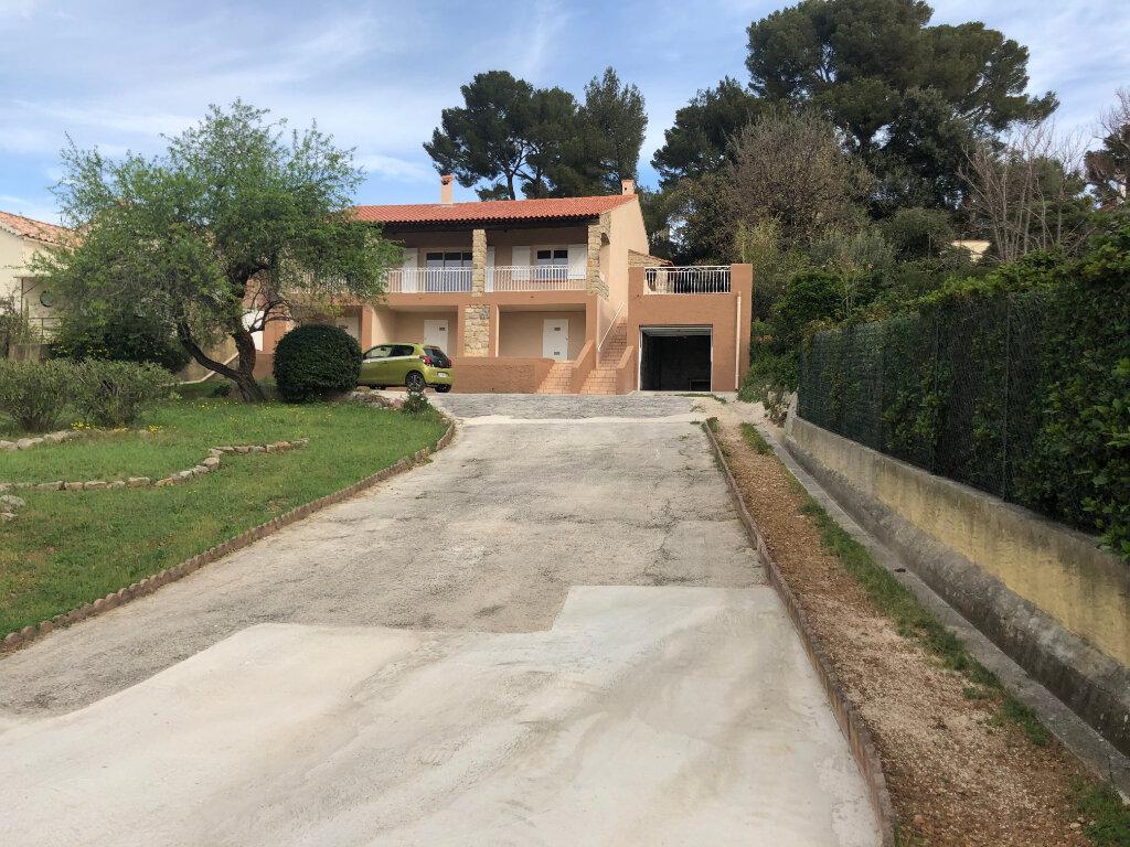Maison à vendre 5 115m2 à La Seyne-sur-Mer vignette-5
