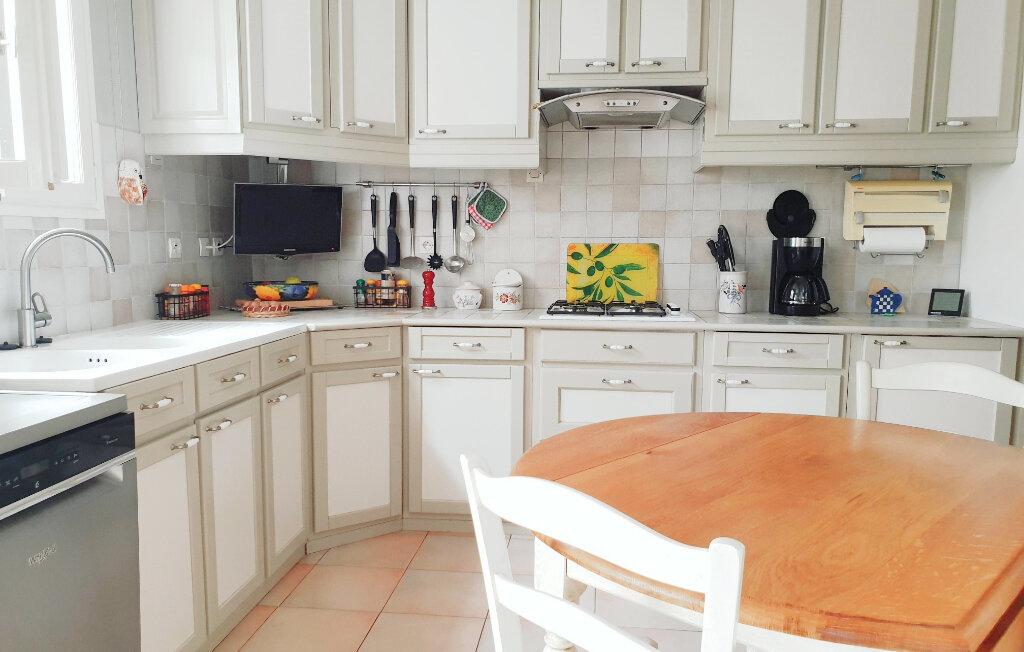 Maison à vendre 6 150m2 à La Seyne-sur-Mer vignette-2