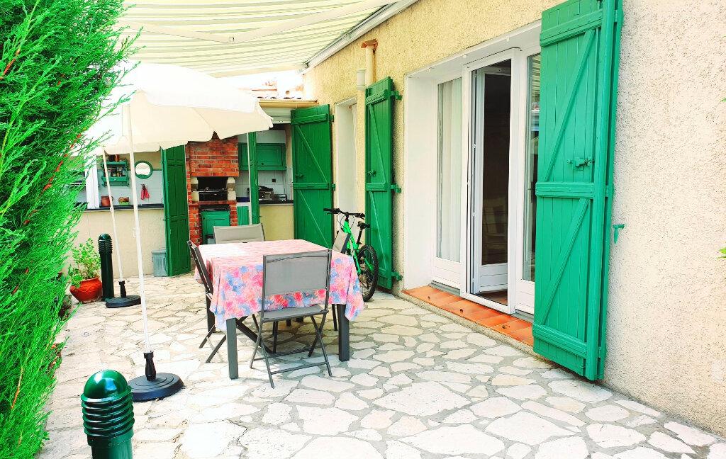Maison à vendre 6 150m2 à La Seyne-sur-Mer vignette-3