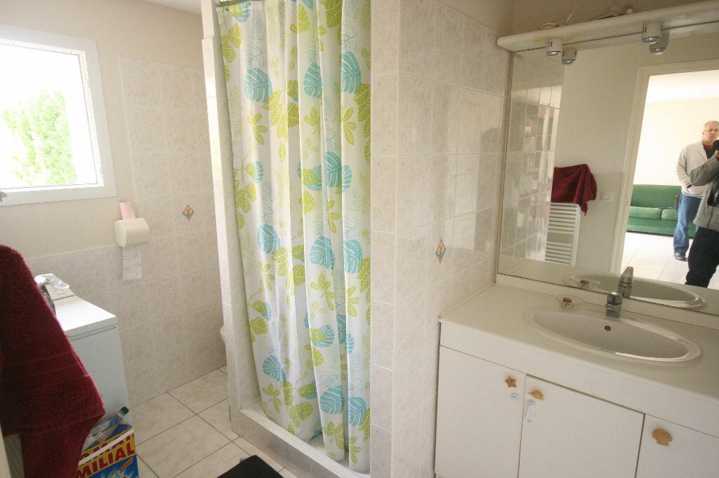 Appartement à vendre 2 31m2 à Saint-Georges-de-Didonne vignette-5